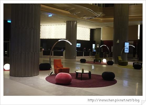 諾富特華航桃園機場飯店02-Lobby.jpg