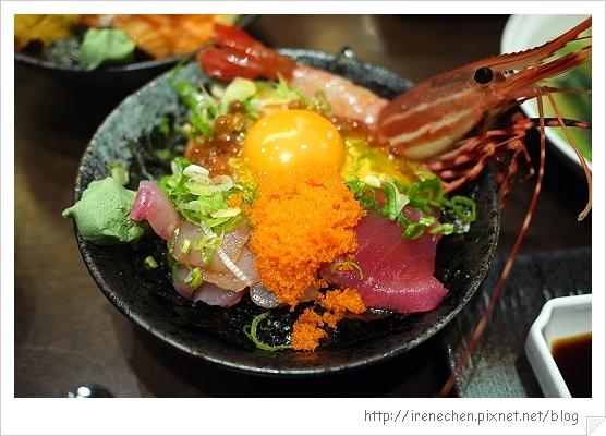 金奉12-生魚片蓋飯+牡丹蝦.jpg
