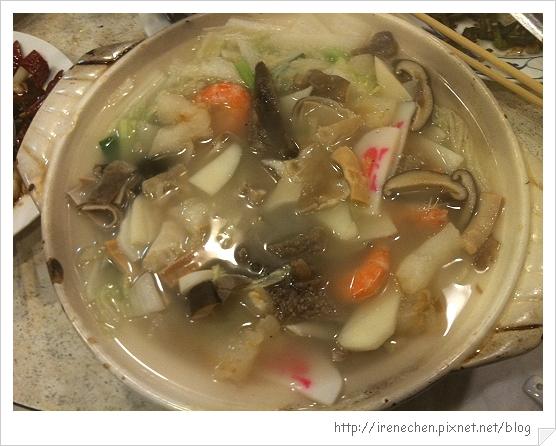 小魏川菜11-砂鍋魚頭.jpg