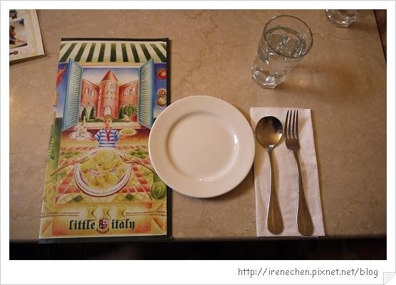 小義大利莊園15-menu和餐具.jpg