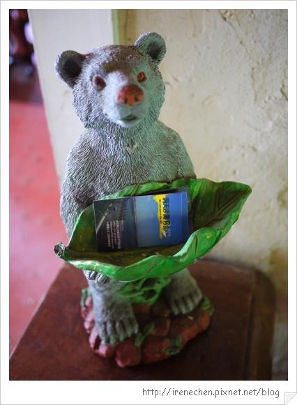 洞天法國農莊39-可愛的熊熊名片檯.jpg