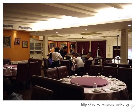 新店龍門歐洲會館03-2樓餐廳.jpg