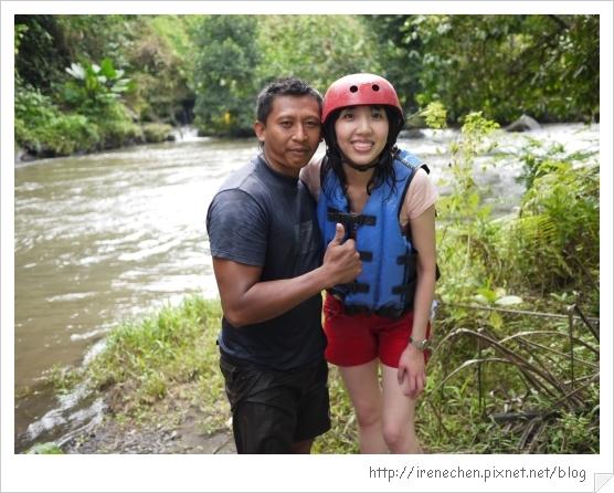 Bali130-我和泛舟教練.jpg