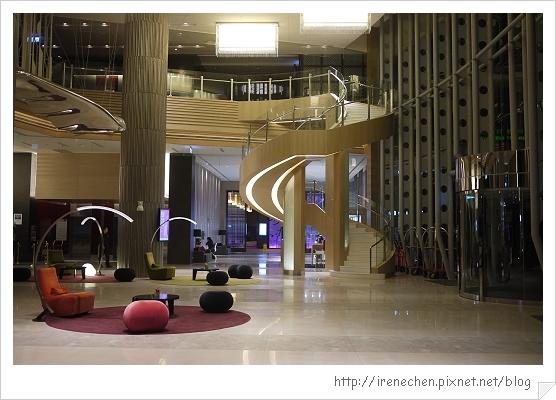 諾富特華航桃園機場飯店01-Lobby.jpg