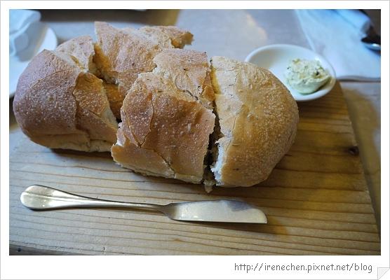 小義大利莊園16-卜利亞鄉村麵包.jpg