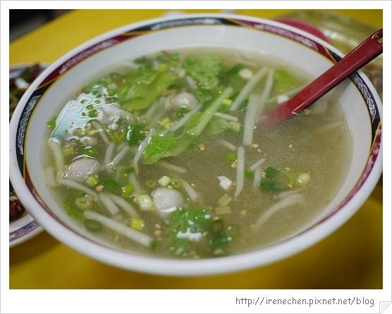 雲南擺夷小吃24-免費的湯.jpg