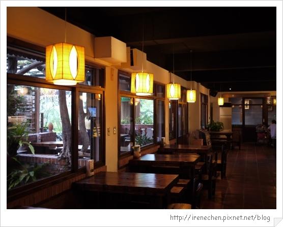 台北花卉村08-萊茵庭園咖啡室內.jpg