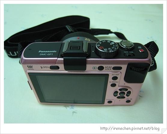 粉紅GF1入手-04(機身背面).jpg