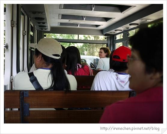Bali302-野生動物園(車內有冷氣美賣).jpg
