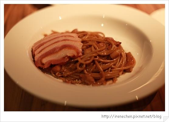 SOLO Pasta-11-巴薩醋燻鴨胸奶油義大利麵.jpg