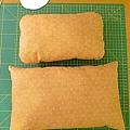 哈果拔跟果果有一樣的小枕頭