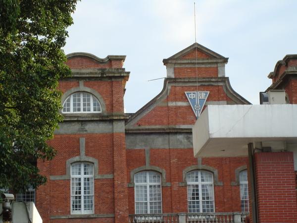 歷史博物館前的建中2.JPG