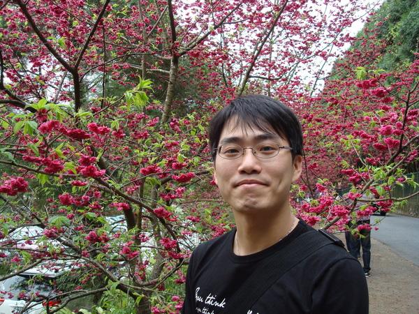 均均_跟櫻花照.JPG