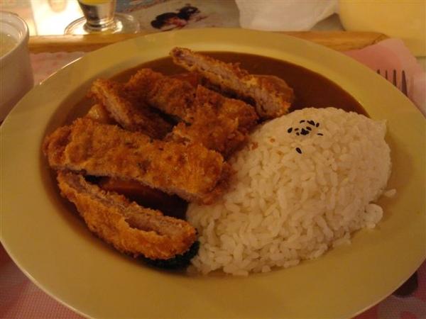餐點2_咖哩豬排飯.JPG