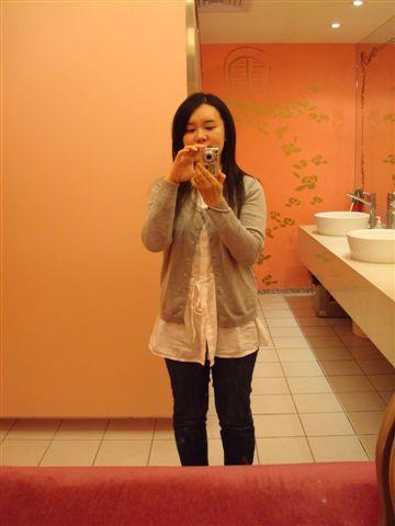 是我13_in toilet.JPG