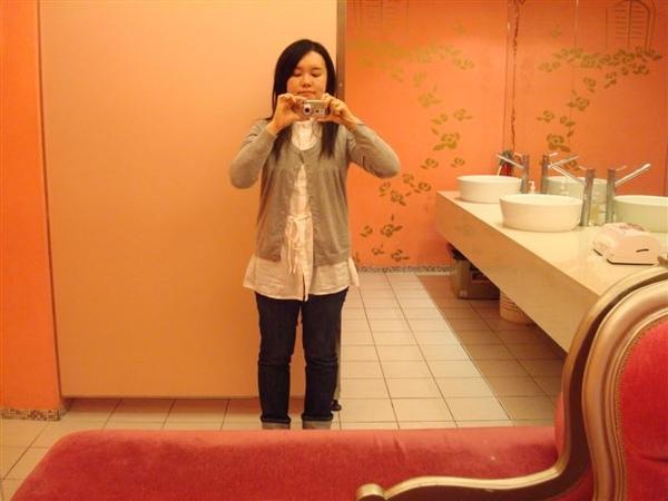 是我14_in toilet.JPG