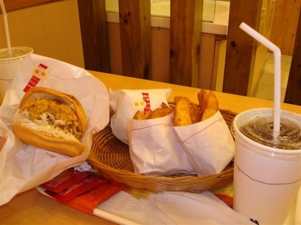 摩斯漢堡1.JPG