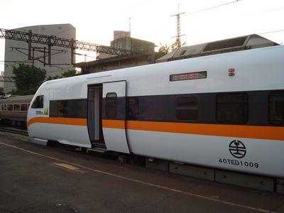 太魯閣列車3.JPG
