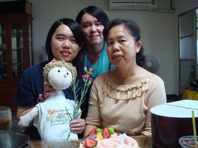2009母親節12_母女三人.JPG