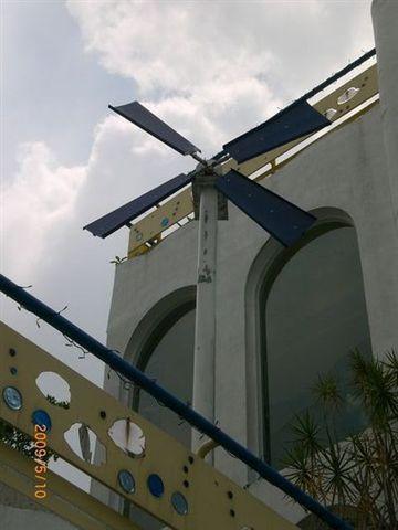 聖托里尼一景15_風車.JPG