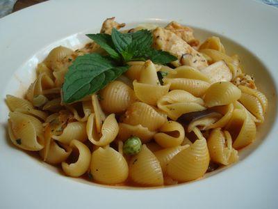 聖托里尼餐4_義式雞肉貝殼麵.JPG