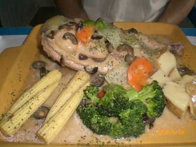 希臘秘密旅行餐6_克里特橄欖燉煨雞.JPG