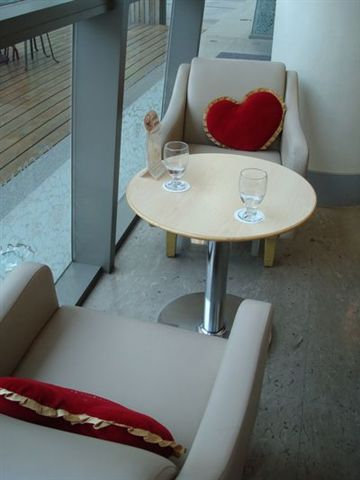 Haagen-dazs一景10_我們的座位.JPG