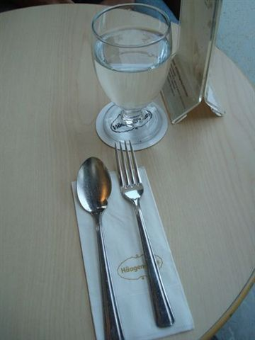 Haagen-dazs一景12_餐具.JPG