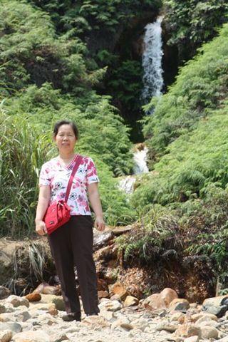 媽18_in金瓜石黃金瀑布.jpg