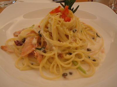 VIOLA餐3_鮭魚蘆筍義大利麵.JPG