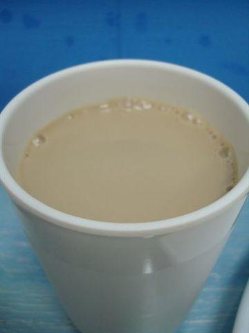 719早餐3_奶茶.JPG