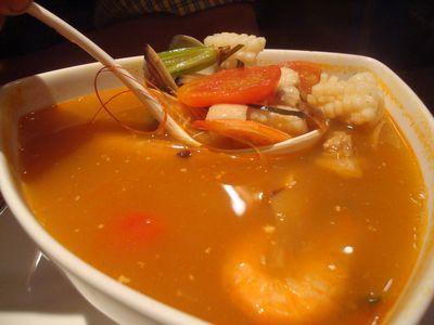峇里公主餐6_酸辣海鮮湯.JPG