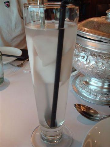 瓦城餐12_椰子汁.JPG