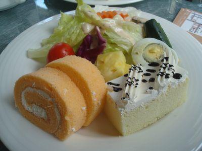 放送局義式廚房餐點1_沙拉&蛋糕.JPG