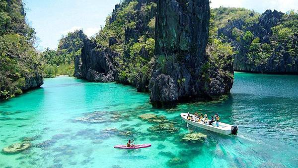 Palawan-island-Philippines.jpg