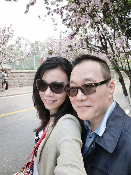 圖16 我與澤治在青島街頭