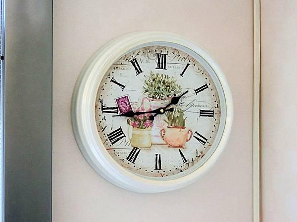 圖11 咪芬工作室的新掛鐘