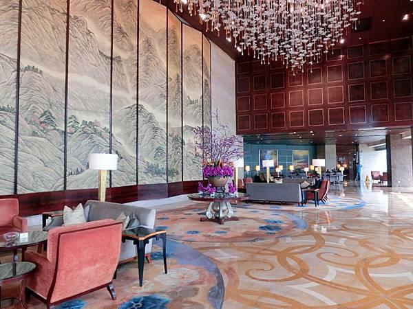 圖22 青島香格里拉盛世閣Lobby