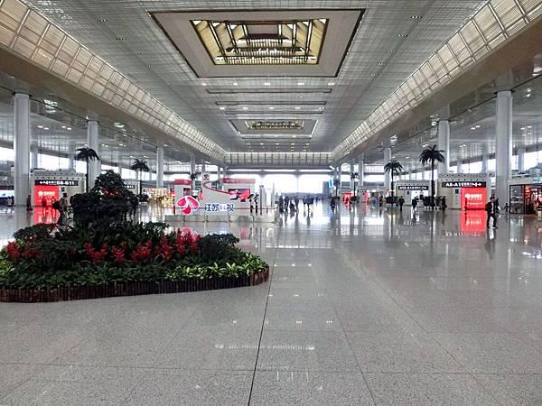 圖8 南京高鐵站內觀