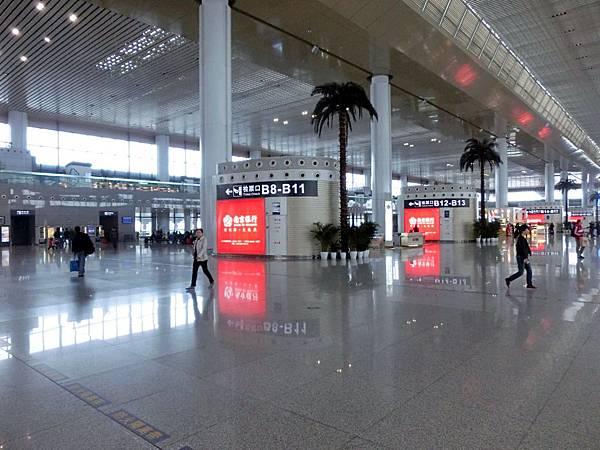 圖9 南京高鐵站內觀