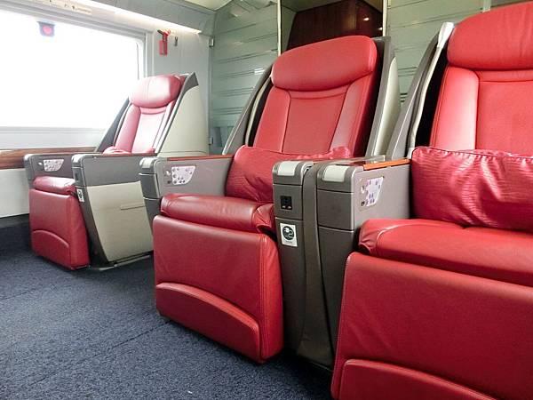圖17 高鐵商務艙座椅