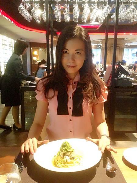 圖6 我在Fresh & Aged餐廳內