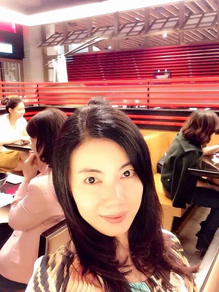 圖8 我在美福牛肉麵店內
