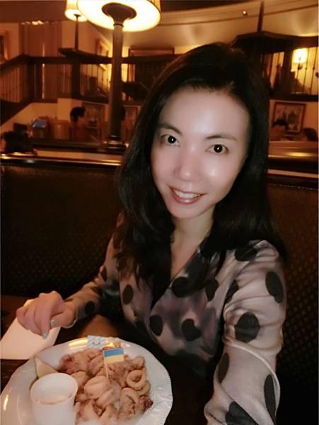 圖17 我在美麗華的金色三麥餐廳內