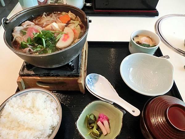 圖10 海山廳的午間套餐〜壽喜燒御膳