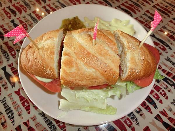圖12 領事館的三明治