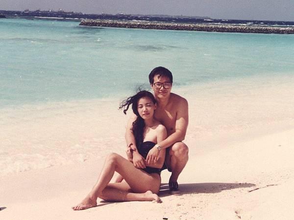 圖2 1993年我與咪呢在馬爾地夫