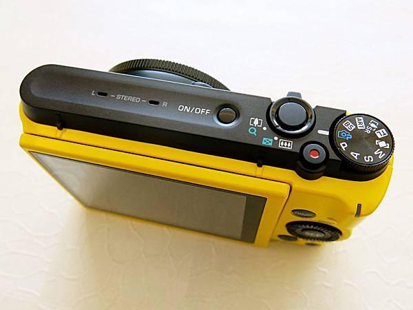 圖7 圓形轉盤上的藍色相機圖形是ZR1200「專業進階自動」拍照模式