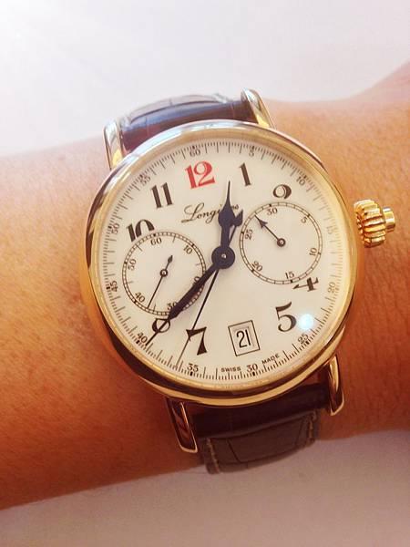 圖5 澤治配戴書生腕錶