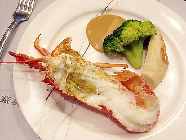 圖11 聖誕套餐中的活龍蝦